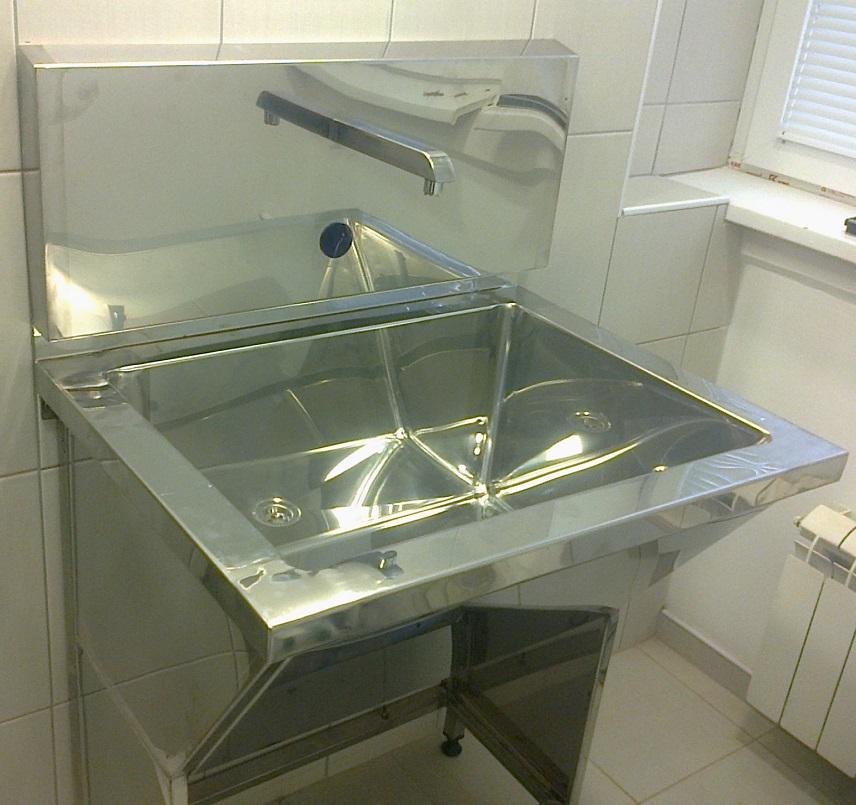 Senzorske sudopere i valovi - stojeći umivaonik