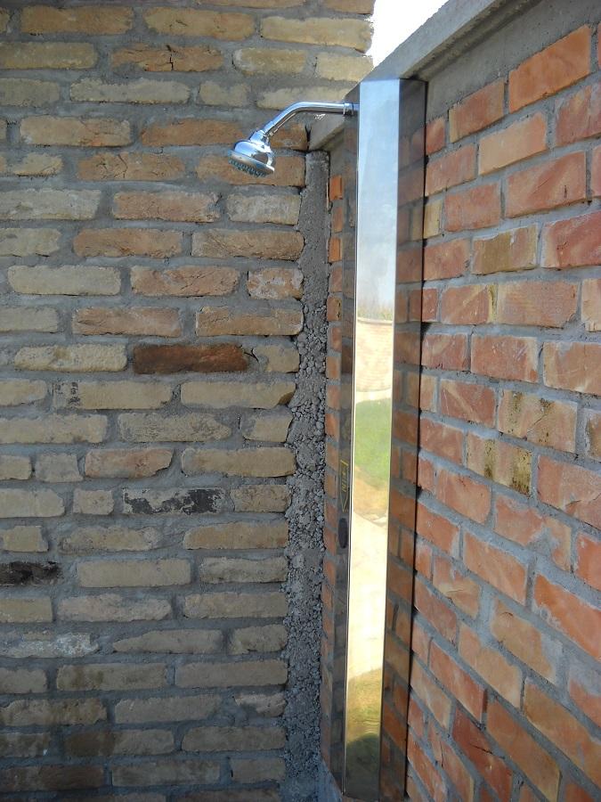 Senzorski tuševi za sportske objekte - nadgradni